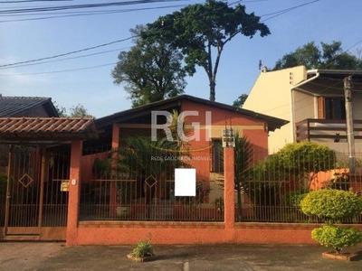 Casa Em Lomba Do Pinheiro Com 3 Dormitórios - Ot6172