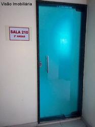 Ótima Sala Já Equipada Com Split E Mesa Ao Lado Do Bolicho Centro Comercial Adrianópolis Sala De 23m² Reformada. - Sa00093 - 4393611