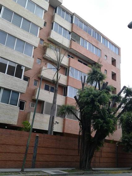 Apartamento En Alquiler Campo Alegre