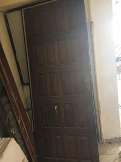Porta De Madeira Ótimo Estado
