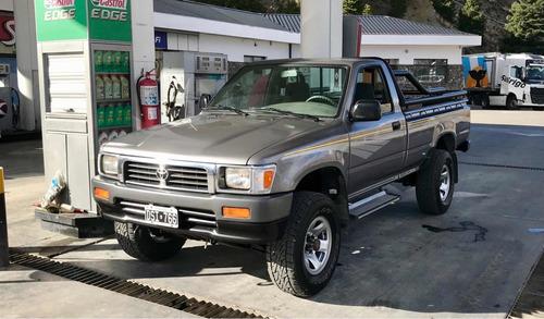 Imagen 1 de 5 de Toyota Hilux 2.8 S/cab 4x4 D 2001