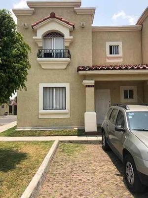 Casa En Renta En Urbi Haciena Balboa, Cuautitlan Izcalli.