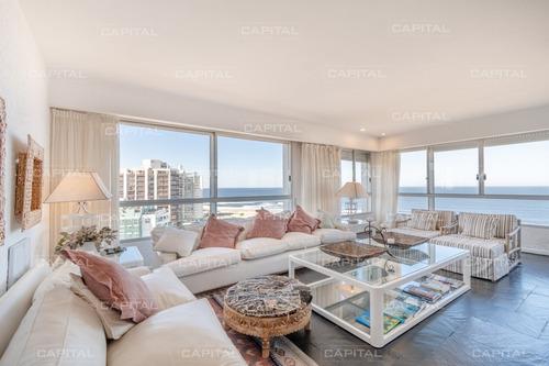 Apartamento De 4 Dormitorios Frente Al Mar - Playa Brava- Ref: 30941