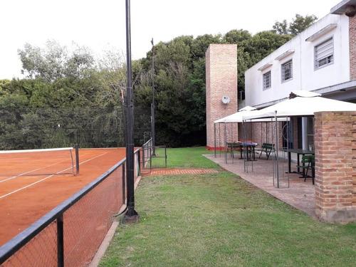 Club De Tenis En Venta. La Plata