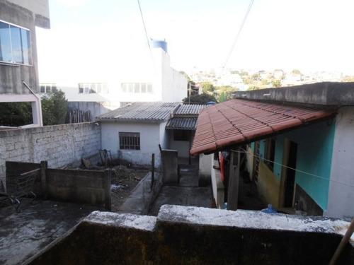 Casa De 3 Quartos Com 2 Barracões Novo Riacho - 1008