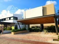 Casa En Venta En Cancún/lagos Del Sol