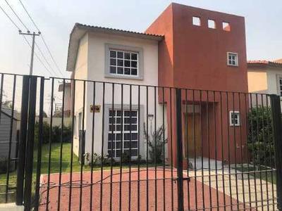 Casa En Venta En Fracc. Villas Del Campo, Calimaya, Metepec