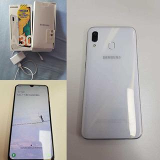 Samsung A30. Liberado, 64gb Blanco