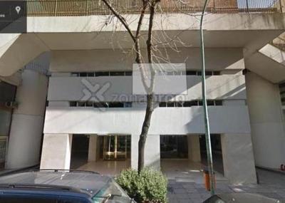 Cochera Fija Y Cubierta En Belgrano. Pb. Amenabar Al 2000