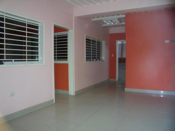 Galpon En Venta En Barquisimeto Centro 19-15701 Rb