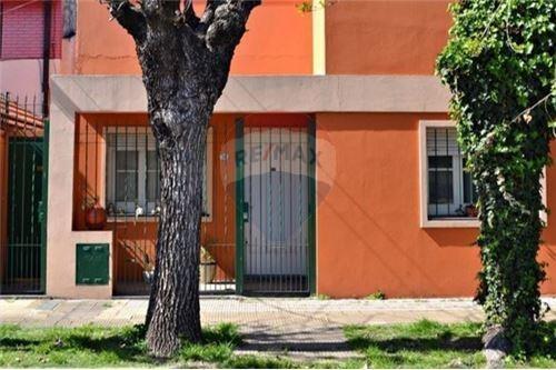 Casa En Alquiler 2 Ambientes Ramos Mejía