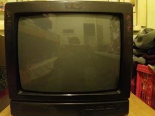 Televisor 14´ White Westinghouse Con Control Remoto