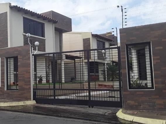 Casa Sector Villa Granada, Conjunto Resd. Sabina