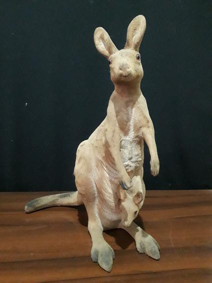 Boneco Canguru Australiano Em Camurça Rico Em Detalhes