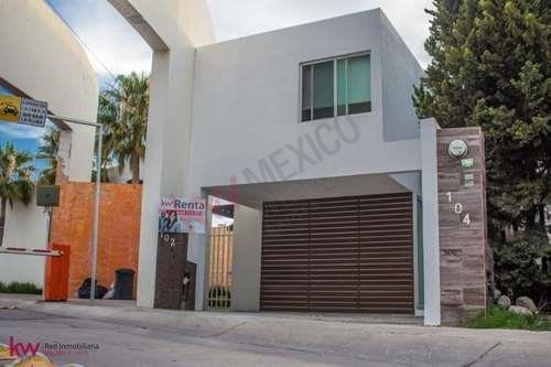 Casa En Renta En Horizontes Ii, $12,000 Tranquilidad Y Seguridad