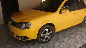 Volkswagen Golf Sportline Amarelo Com Teto Solar.