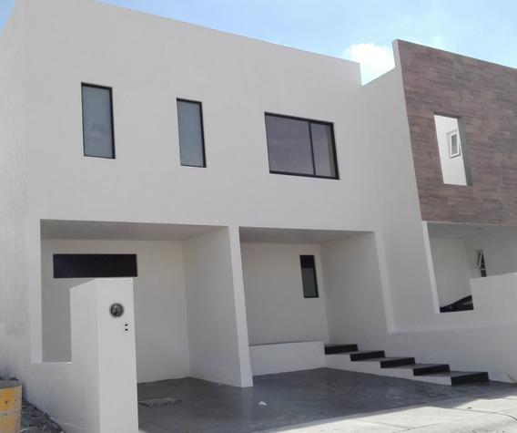 Casa Renta Zibata Qro.