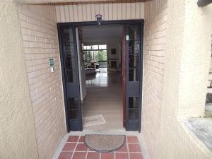 20-8054 Espectacular Casa Moderna En Monte Claro
