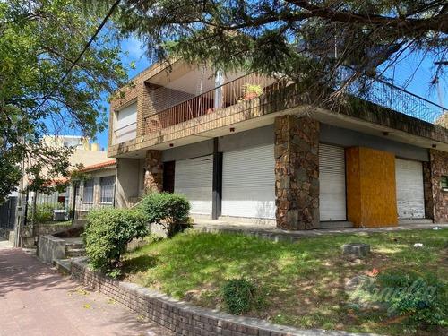 Venta Casa 5 Dormitorios Unión Braglia 310001530