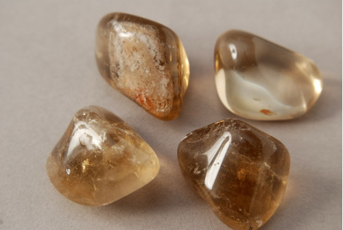 Imagen 1 de 1 de Piedra Mineral Citrino Rolado Nro. 3