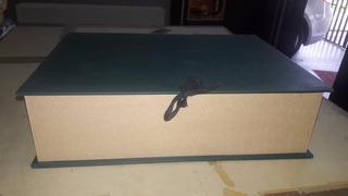 Caja Para Archivo Con Contorno De Madera
