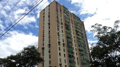 Apartamento En Venta Trinitarias 19-12071 Mm