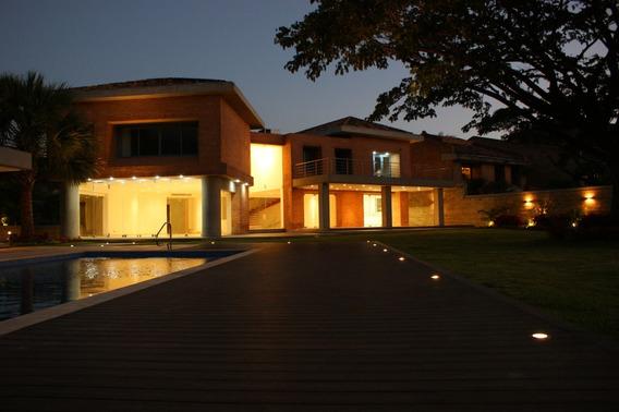 Casa En Venta Lomas De Chuao 11 - 0212 2646681 - 04143305923