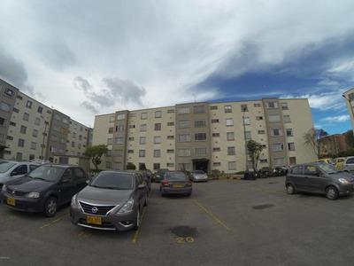 Apartamento Venta Bochica 18-318 Rbc