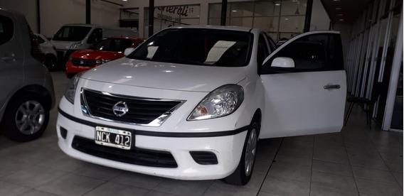 Nissan Versa Visia 1.6 Año 2013 (y)