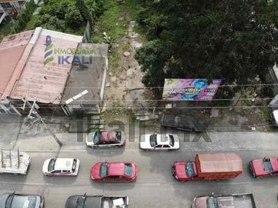 Vendo Terreno De 315 M² En Colonia Floresta De Poza Rica Veracruz, Se Encuentra Ubicado Sobre La Avenida Puebla # 505 Cuenta Con 315 M² Son 15 M. De Frente A La Calle Y 21 M. De Fondo, La Zona Cuenta