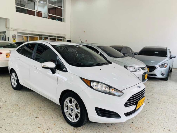 Ford Fiesta Se 2015 At