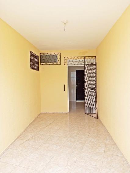 Aluguel Casa 2 Quartos, Quintal, Garagem