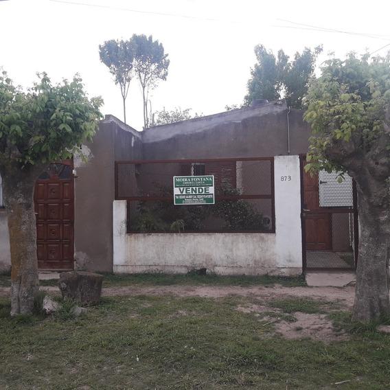 Casa Mas Dpto. Barrio Tranquilo En Dolores Bs As