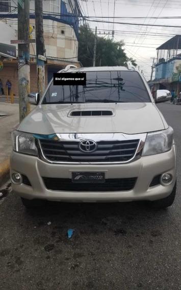 Toyota Hilux Americana