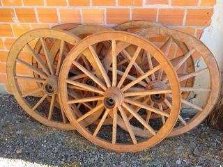 Roda De Carroça Antiga De 1 Metro !!!
