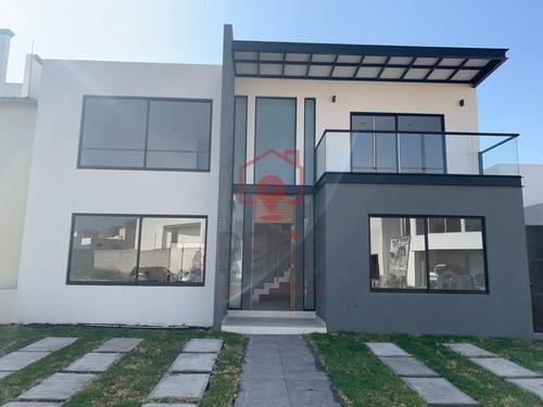 Estrena Lujosa Casa De Diseño En Pueblo Nuevo De 4 Hab.