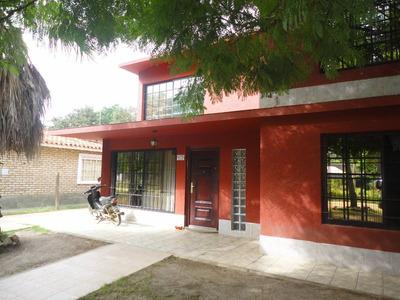 Casa En 2 Pisos Excelente Estado, Con Local Al Fondo