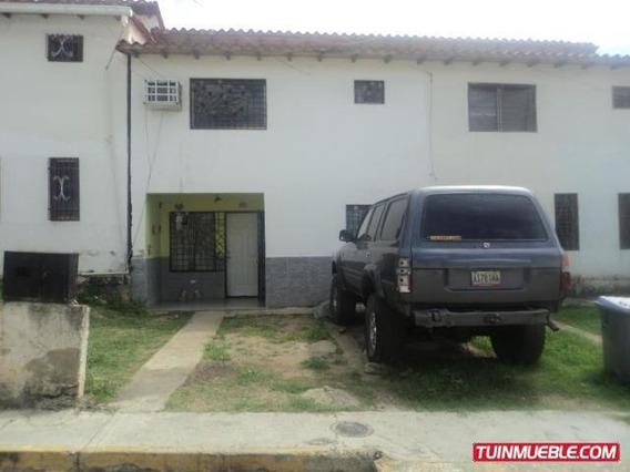 Townhouses En Venta - Carmen Lopez - Mls#19-14007