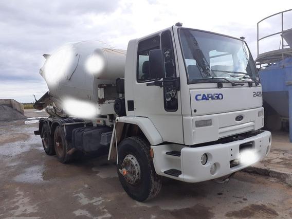 Caminhão Betoneira Ford Cargo 2425 - Ano 2002