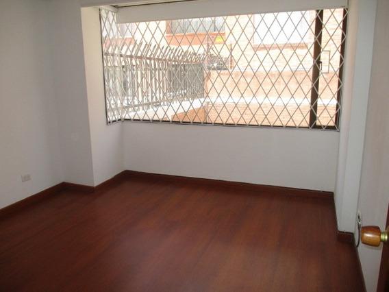 Apartamento En Arriendo Santa Barbara Central 503-3684