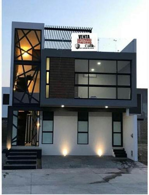 Hermosa Residencia A Estrenar Con Excelentes Acabados En Fraccionamiento Solares