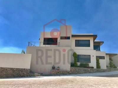 Residencia Minimalista En Renta De 3 Hab En Cañadas Del Lago
