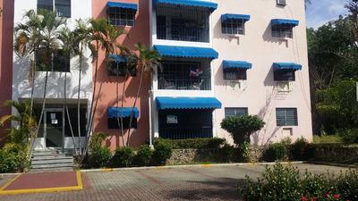 Se Alquila Apartamento De 135mts. 4 Habitaciones