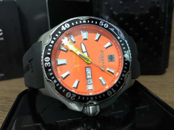 Relógio Zodiac Zo7902 200m Day-date Quartzo Diver