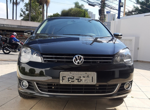 Volkswagem Polo Sedan Confortline 1.6 2013