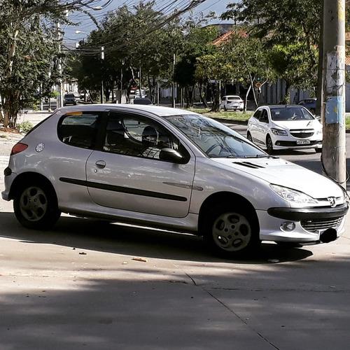 Peugeot 206 2004 1.6 16v Quiksilver 3p