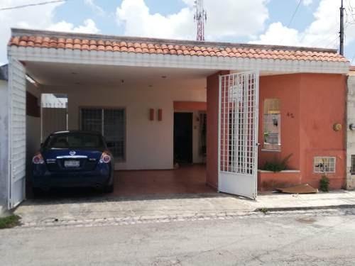 Segura Y Funcional Casa De Un Piso Con 3 Recamars Con A/a Y 2 Baños Completos, Garage Techado