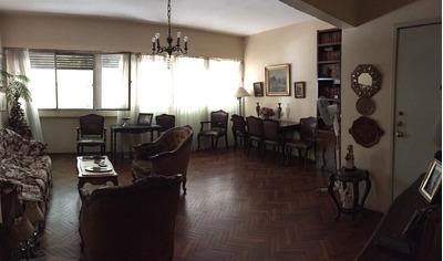 Pocitos, 2 Dormitorios Y Servicio, Garaje