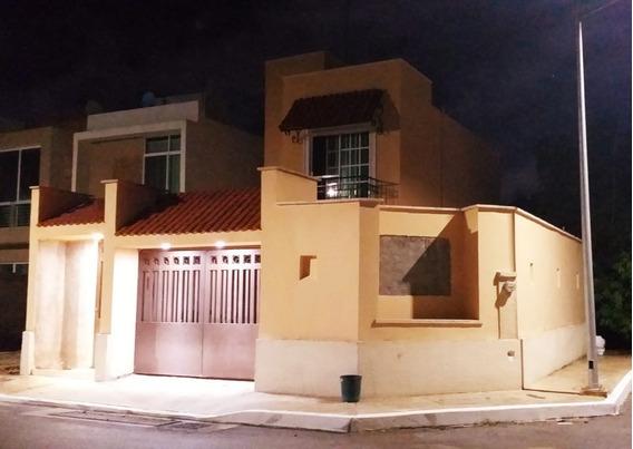 Hermosa Casa En Privada, En Esquina Y Muros Independientes