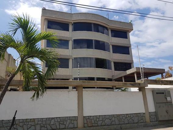 Apartamento En Venta Playa Grande Mls #20-19848
